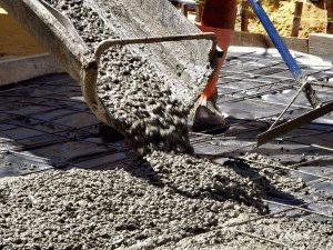 Заливка бетона бетономешалкой
