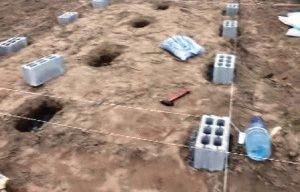 Разметка участка и размещение блоков