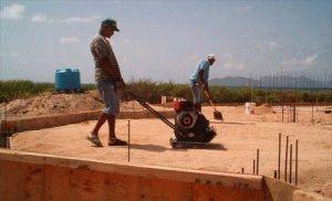 Уплотнение грунта после возведение каркаса фундамента