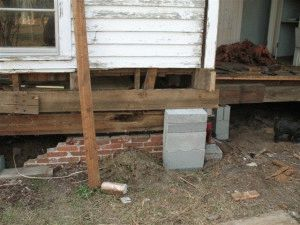 Разрушение фундамента деревянного дома