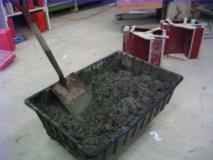 Замес бетона из сухой смеси