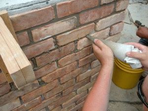 Укладка стен барбекю